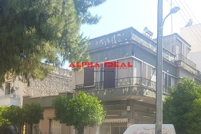 (For Sale) Residential Detached house || Piraias/Keratsini - 217 Sq.m, 4 Bedrooms, 105.000€